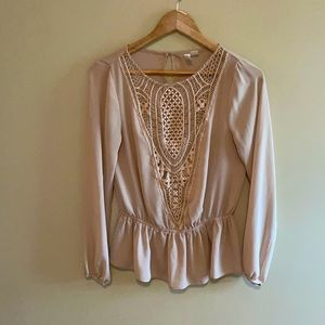 Forever 21 blouse size small lace flowy cream colored
